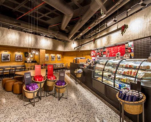 Starbucks opens its first store in Zaragoza