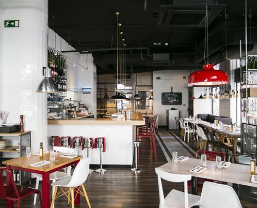 Ginos arrives in historic downtown Cordoba