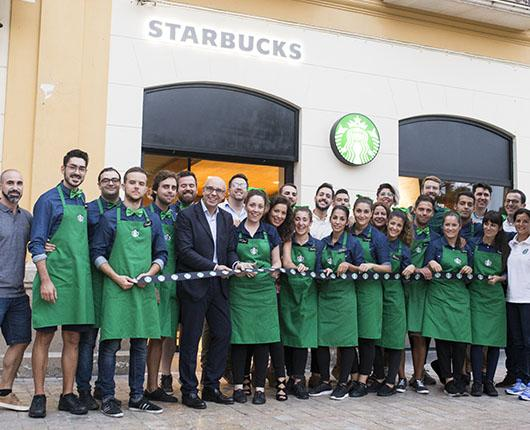 Starbucks arrives at Plaza de la Merced