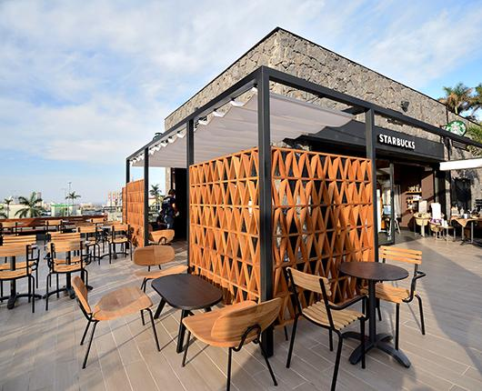 Starbucks opens its first store in Tenerife