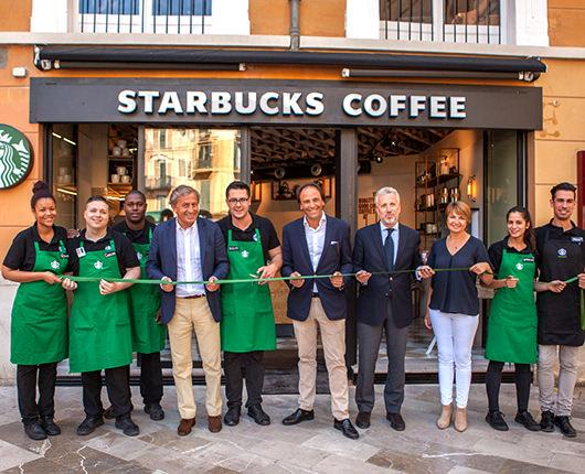 Starbucks arrives in the heart of the city of Palma