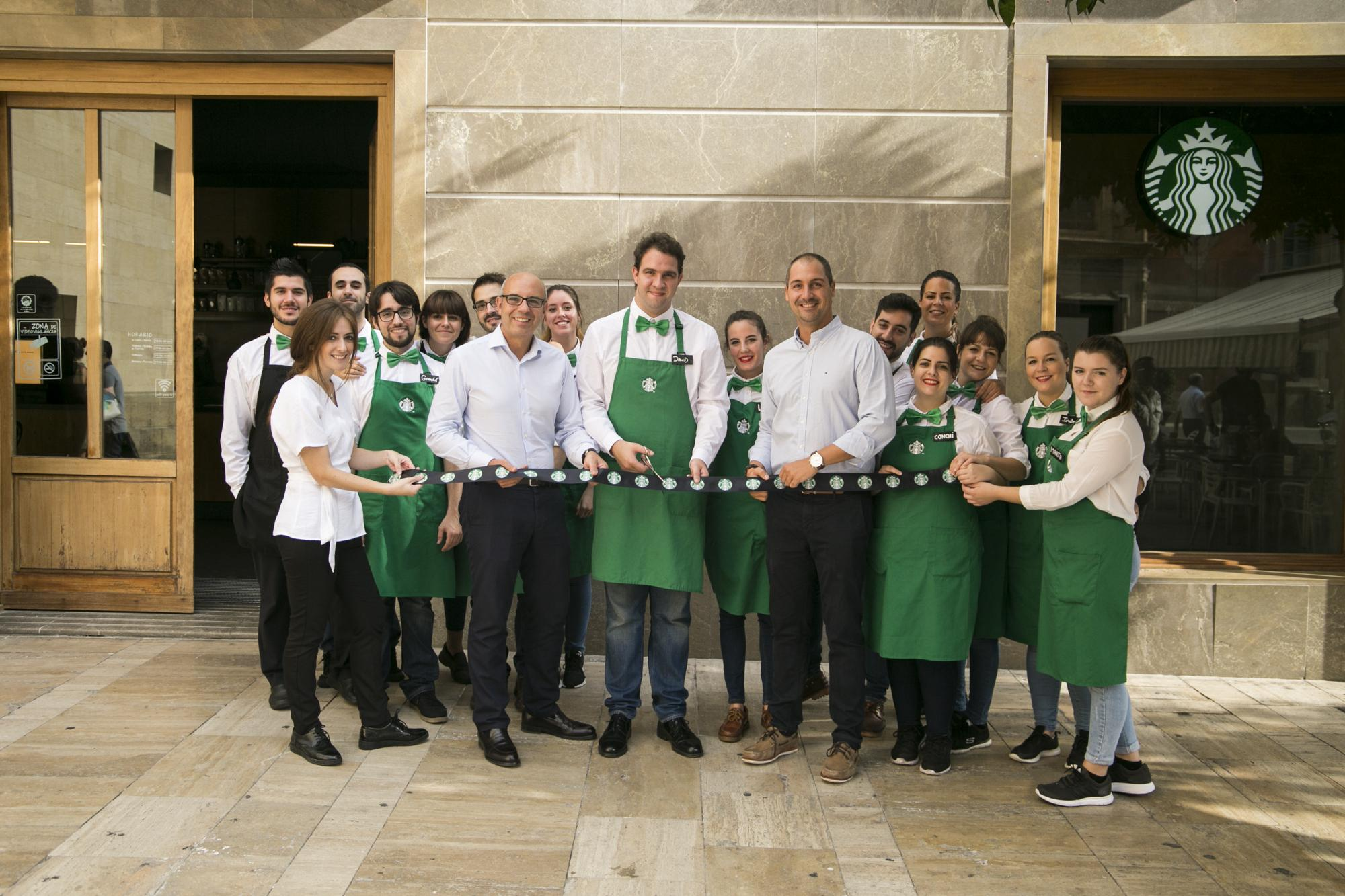 Starbucks arrives at Plaza Cardenal Belluga