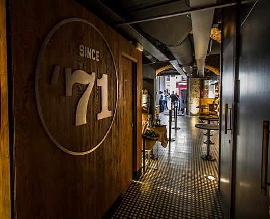 Starbucks opens a new store downtown Madrid