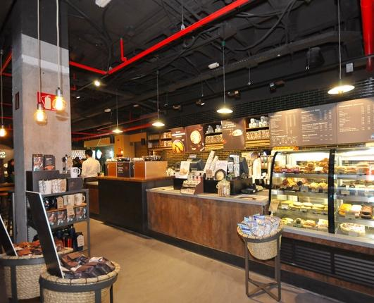 Starbucks opens its first store in Bilbao