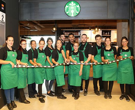 Starbucks inaugurates its first store in the capital of Gran Canaria