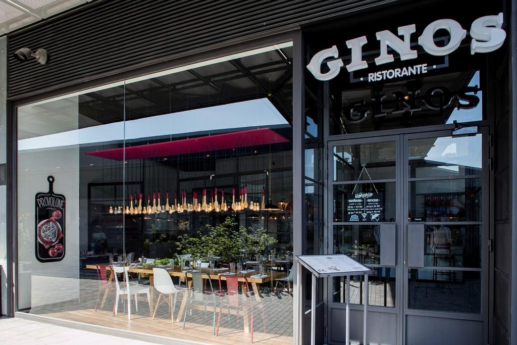 Ginos opens in Albacete to great excitement