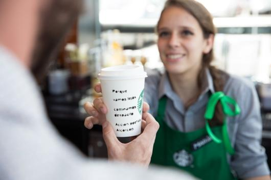 Starbucks opens its first store in Alcorcón with a poetry-filled action